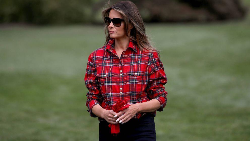 Melania Trump se 'disfraza' de jardinera con una camisa de más de 1.000 euros