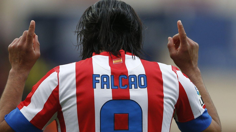 El futbolista Falcao con la camiseta rojiblanca (Gtres)
