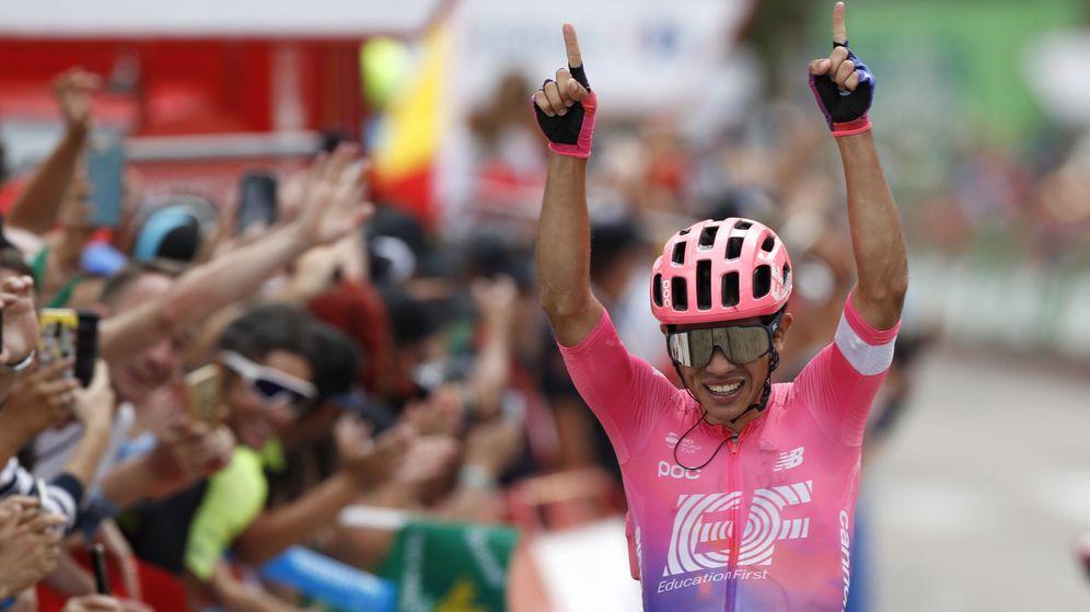 Foto: Sergio Higuita celebra su primer triunfo en una grande en la Vuelta. (EFE)