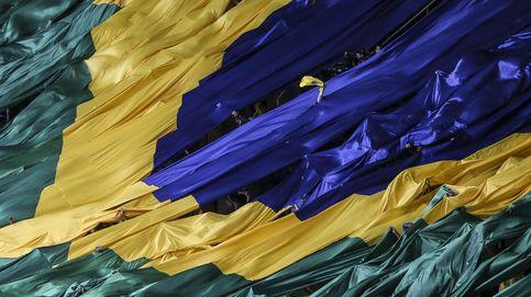Santander y Telefónica sufren la rebaja de rating de Brasil y lastran al Ibex 35