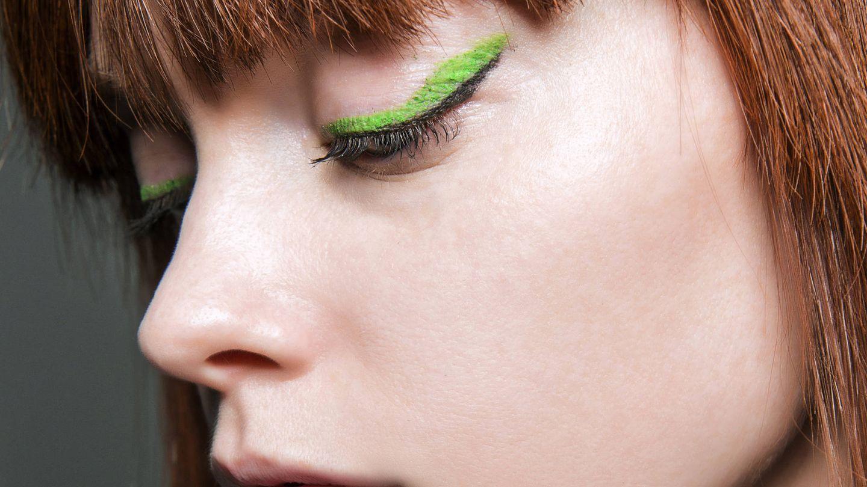El contraste del eyeliner debe ser equilibrado para mantener la intensidad del delineado y que sea el centro del maquillaje. (Imaxtree)