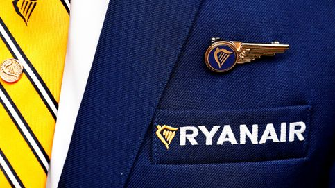 Ryanair anticipa despidos: dice que sobran 500 pilotos y 400 asistentes de vuelo