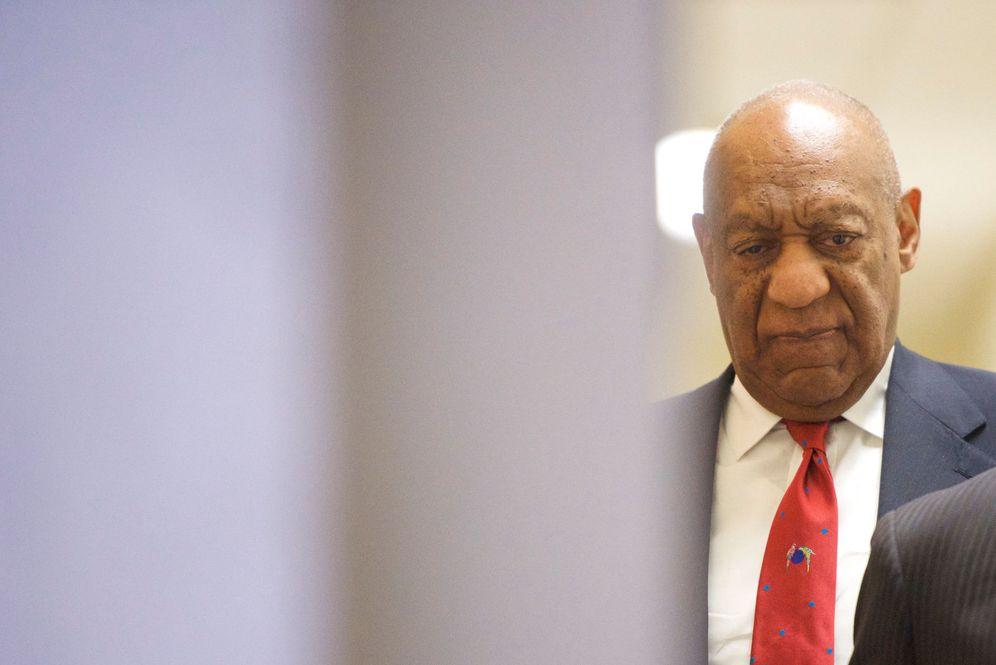 Foto: Bill Cosby a la salida del juicio. (Agencias)