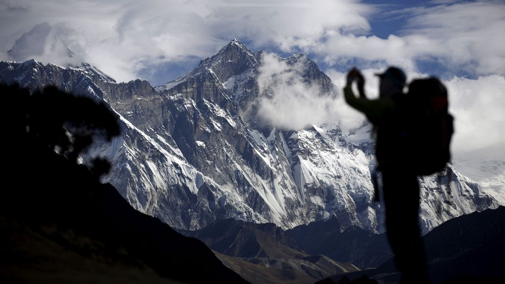 El negocio del Everest: vida y muerte en la montaña más cara del mundo