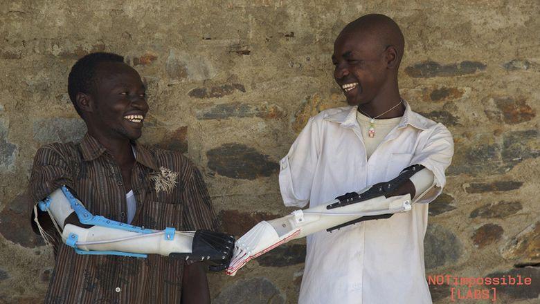 Foto: Daniel Omar (a la derecha), el adolescente que da nombre al proyecto