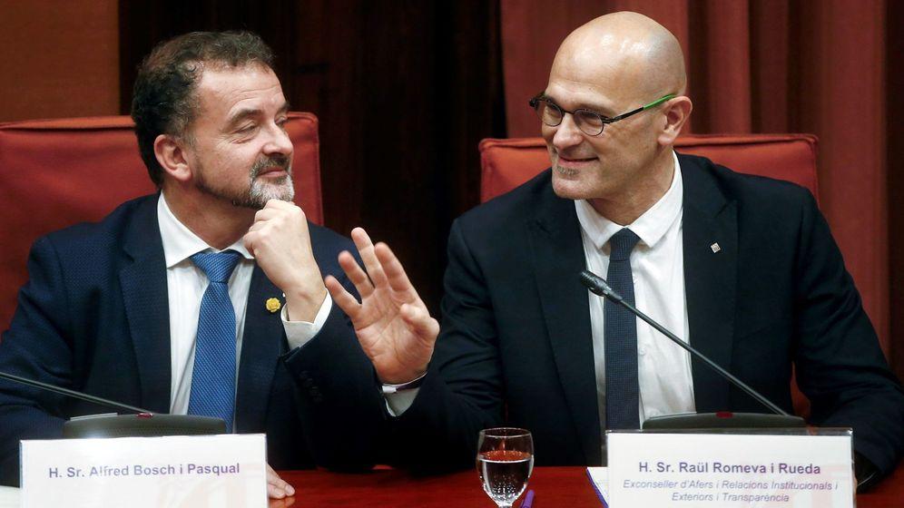 Foto: El exconseller Raül Romeva junto al conseller de Relaciones Exteriores, Alfred Bosch (EFE)