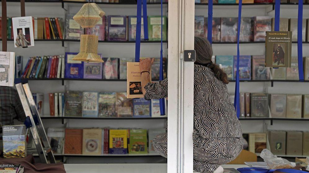 Foto: Una de las casetas en la Feria del Libro de Madrid. (EFE)