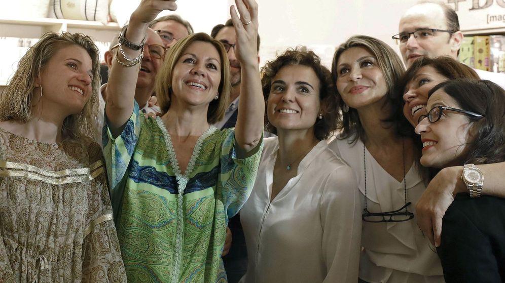 Foto: La secretaria general del PP y candidata a presidir el partido, María Dolores de Cospedal, durante su acto de campaña. (EFE)