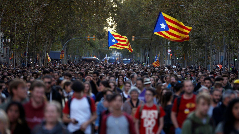 Los sindicatos de estudiantes agitan la calle en Cataluña y 'salvan' al independentismo