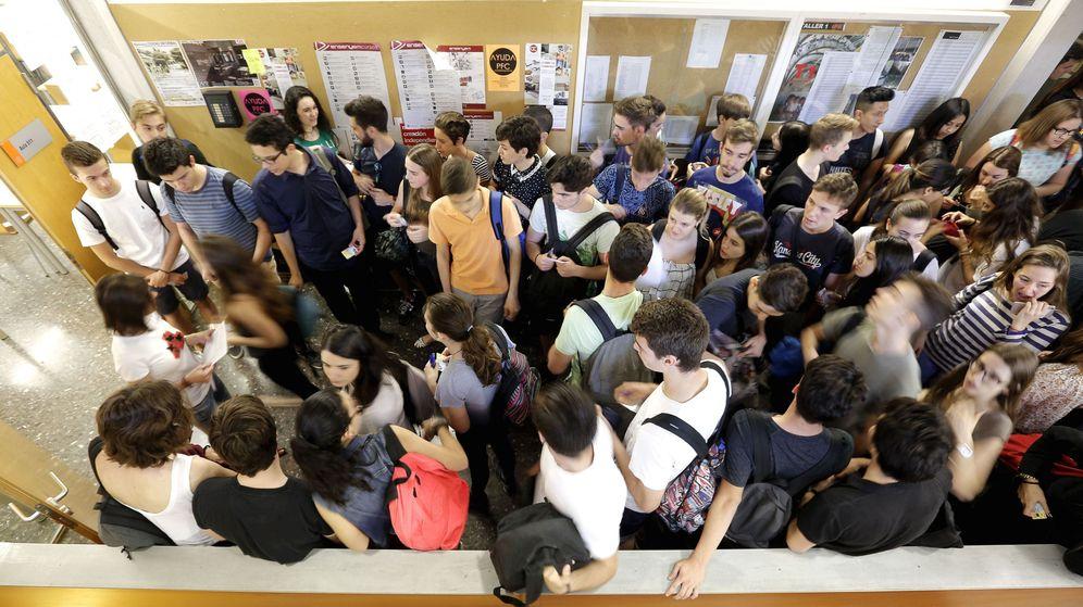 Foto: Estudiantes en una universidad de la Comunidad Valenciana. (EFE)