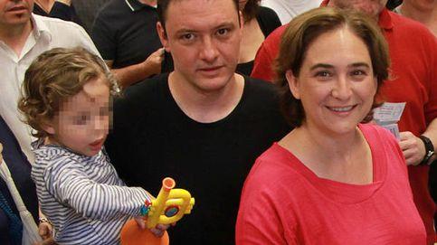 Adrià Alemany, pareja de Ada Colau, opina sobre la bisexualidad de su mujer