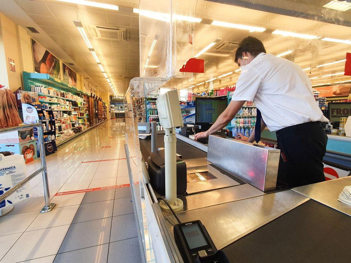 Foto: Un supermercado en Valladolid. (EFE)