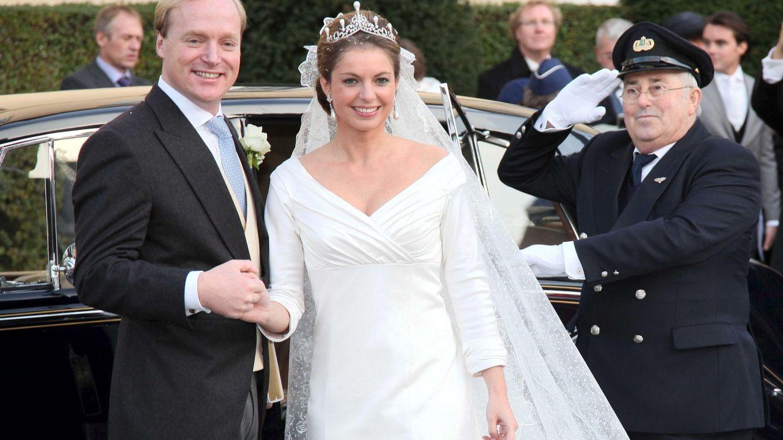Foto: El príncipe Carlos de Borbón Parma junto a su esposa (Gtres)