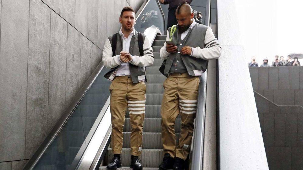Foto: Leo Messi y Arturo Vidal, este domingo. (FC Barcelona)