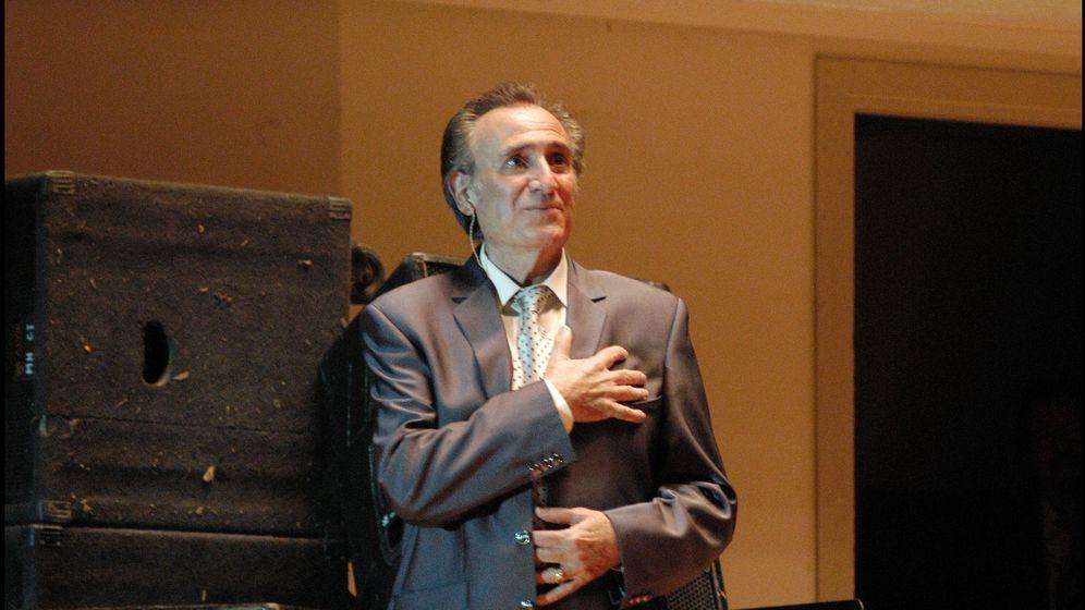 Foto: Manolo Escobar durante un concierto (Gtres)