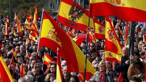 Miles de personas se manifiestan en Madrid por la unidad de España