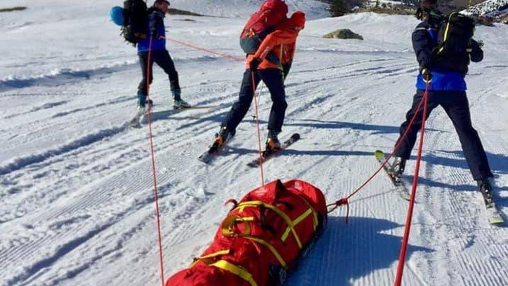 Un esquiador se salta el aislamiento y muere tras despeñarse por una montaña