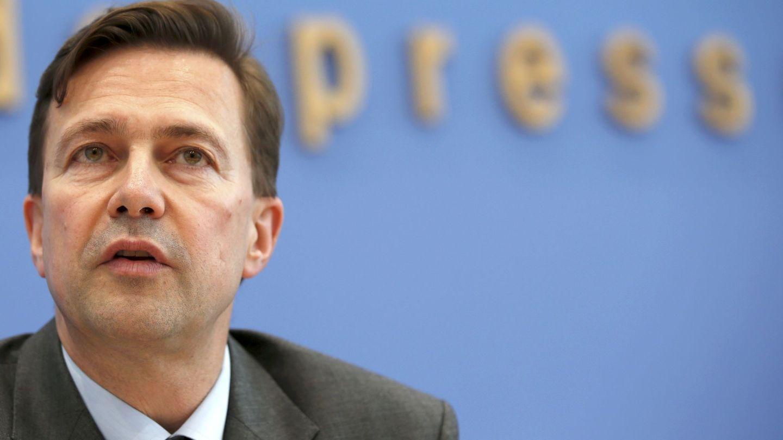 El portavoz del Gobierno alemán Steffen Seibert durante una rueda de prensa en Berlín, en 2016. (Reuters)