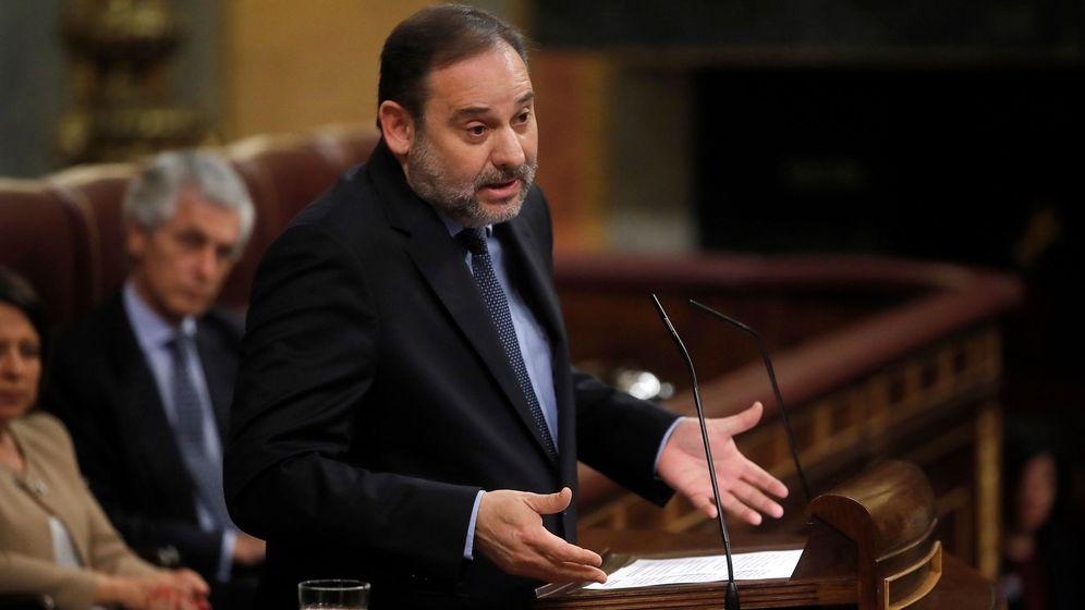 Foto: El ministro de Transportes, José Luis Ábalos, en el Congreso. (EFE)