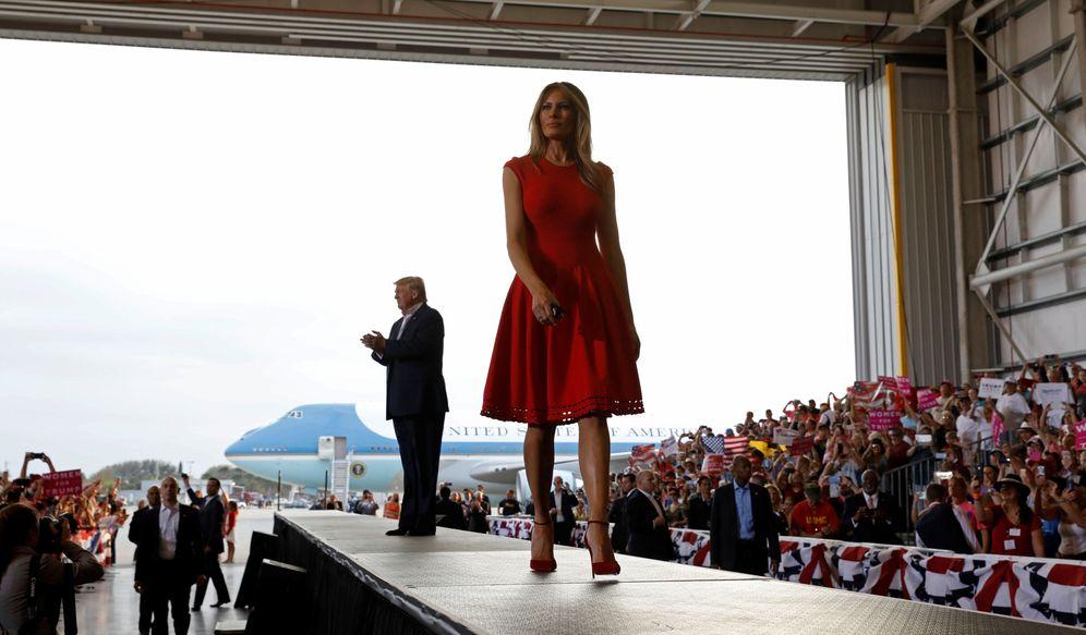 Foto: La Primera Dama, Melania Trump, durante un mitin de su marido en Merlbourne, Florida, el 18 de febrero de 2017 (Reuters).