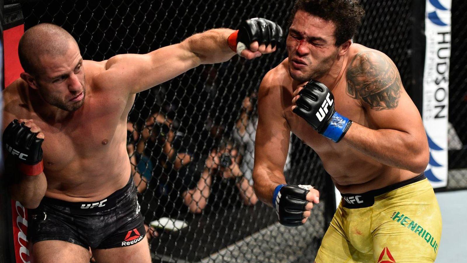 Foto: Saki golpeando con su zurda para lograr el nocaut sobre Silva. (Foto: UFC)