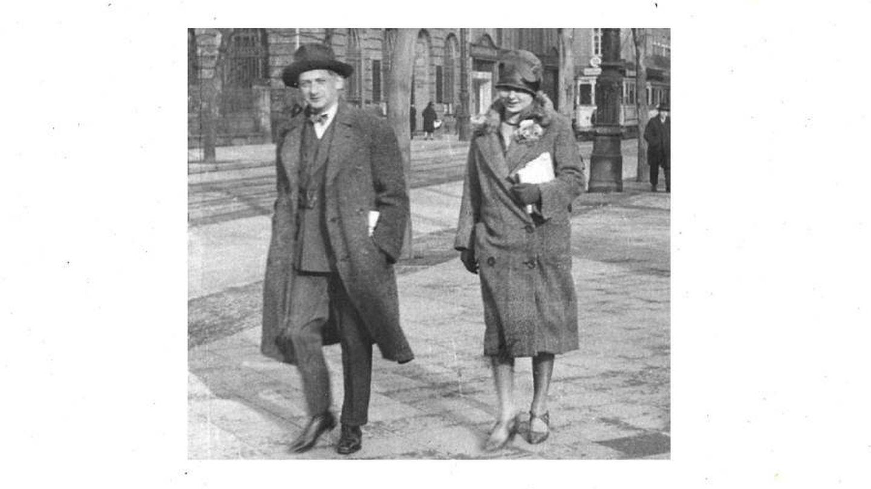 Joseph Roth con Friedl en Berlín.