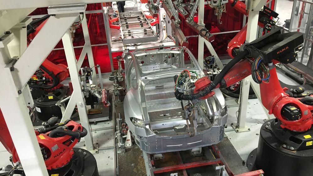 Foto: Cadena de montaje en la fábrica de Tesla de Fermont, en Estados Unidos. (Reuters)