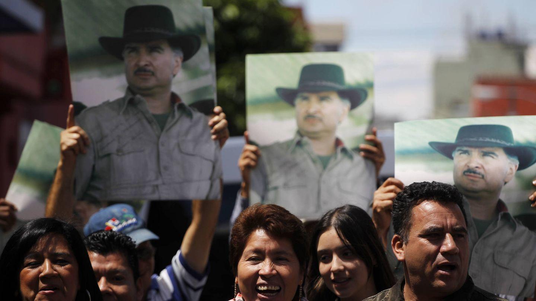 Simpatizantes del expresidente Portillo le dieron la bienvenida tras su extradicción. (Reuters)