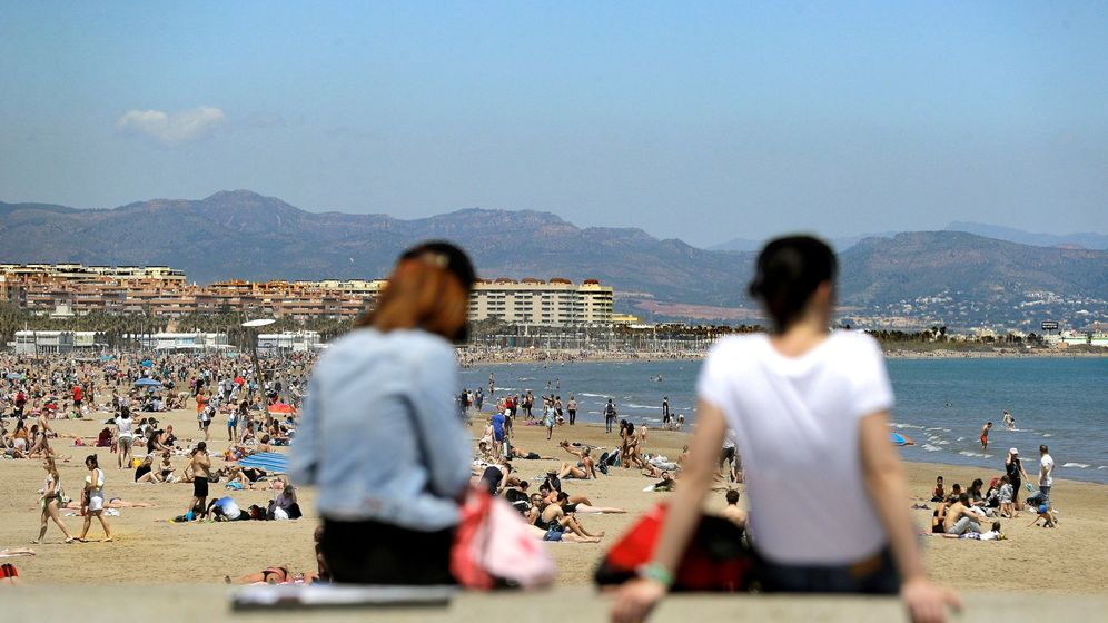 Foto: Vista de la playa de la Malvarrosda de Valencia. (EFE)
