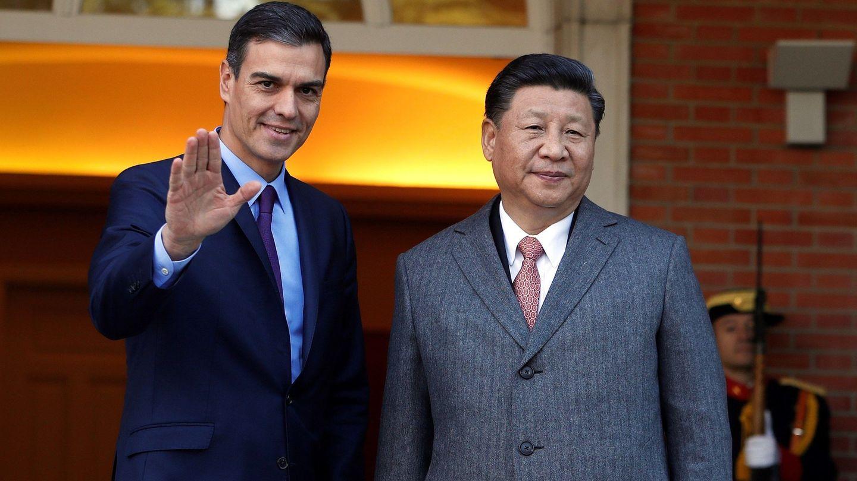 Pedro Sánchez y el presidente chino Xi Jinping. (EFE)