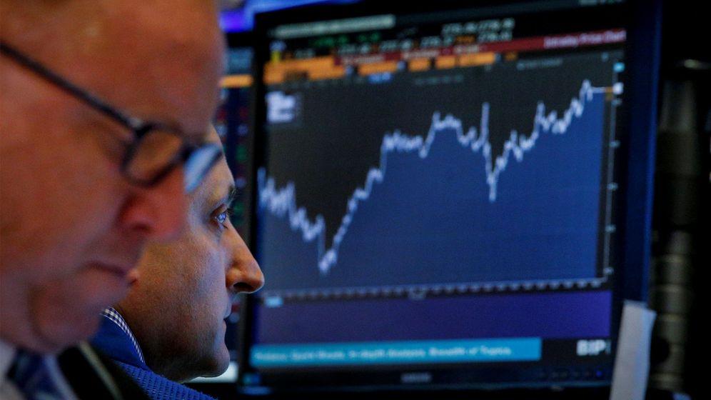 Foto: Operadores en la bolsa de Nueva York. (Reuters)