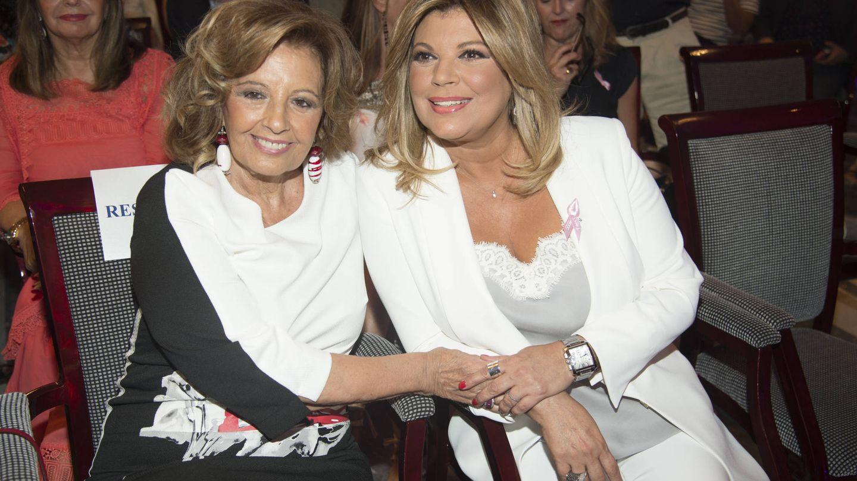 Terelu Campos y María Teresa durante la presentación del libro. (Gtres)