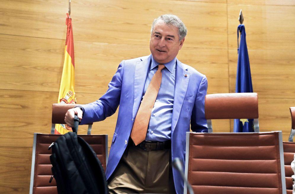Foto: El presidente del consejo de administración y de la corporación RTVE, José Antonio Sánchez, en la comisión mixta de control, el pasado 7 de junio. (EFE)