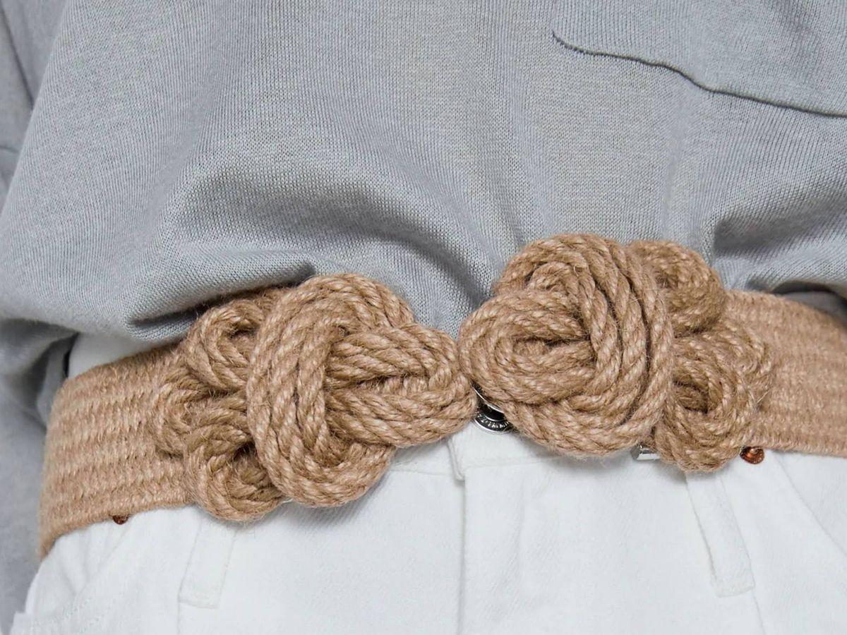 Foto: El cinturón de Zara para estilizar la figura. (Cortesía)