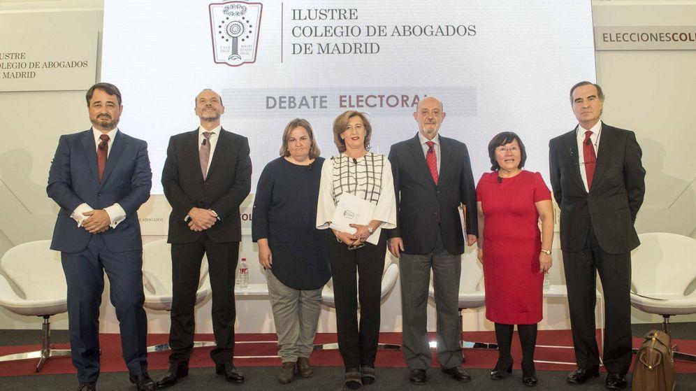 Foto: Los candidatos al ICAM, en una foto de familia antes de comenzar el debate. (ICAM)
