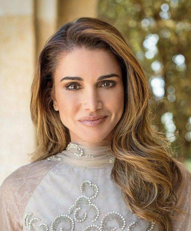 Foto:  Rania de jordania, en una de las imágenes oficiales. (Casa Real Jordania)