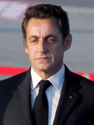 La madre de Sarkozy no cree que a su hijo le falten pretendientes
