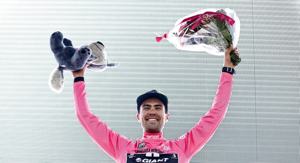 Foto: El ciclista holandés Tom Dumoulin, del equipo Giant Alpecin, es el primer líder del Giro de Italia (EFE)
