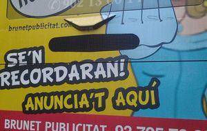 La polémica imagen de la infanta que viaja en los buses de Barcelona
