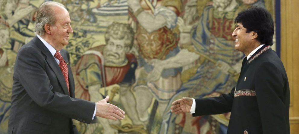 Foto: El rey Juan Carlos recibe al presidente de Bolivia, Evo Morales. (EFE)