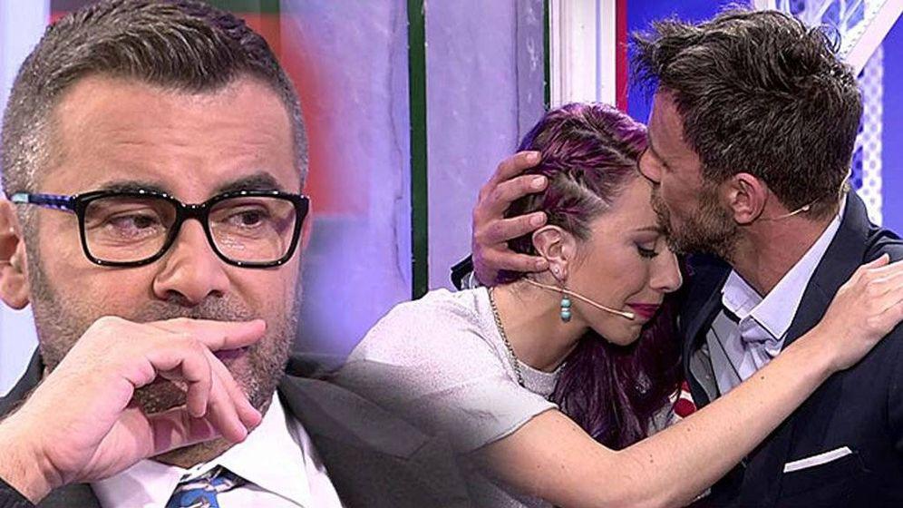 Foto: Jorge Javier Vázquez, emocionado con el abrazo entre Alonso Caparrós y su hija.