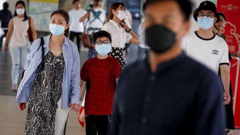 Largas colas en Bangkok para comprar mascarillas ante el nuevo brote de coronavirus