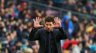 Simeone no entrena el ataque y así le luce el pelo en el Camp Nou