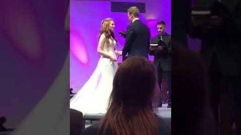 El padrino de una boda se queda dormido durante la ceremonia y el vídeo ya supera el millón de visitas