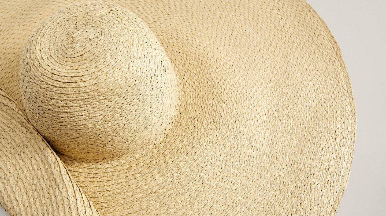 Sombrero de playa de Mango. (Cortesía)