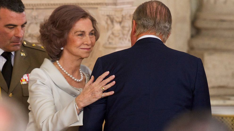 Un exmiembro de Casa Real reconoce que Juan Carlos y Sofía no hacen vida marital