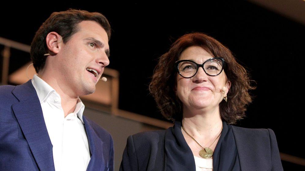 Foto: El líder de Ciudadanos y candidato a la Presidencia del Gobierno, Albert Rivera, y la exsocialista Soraya Rodríguez. (EFE)