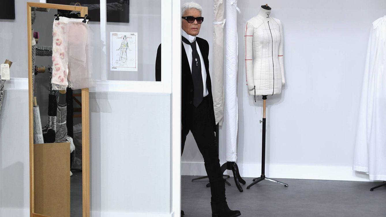 Foto: Karl Lagerfeld en la Paris Fashion Week. (Fuente: Getty).