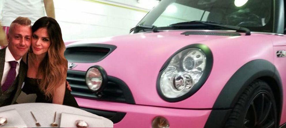 Foto: Un coche rosa, el regalo de Guti a Romina por sacarse el carné