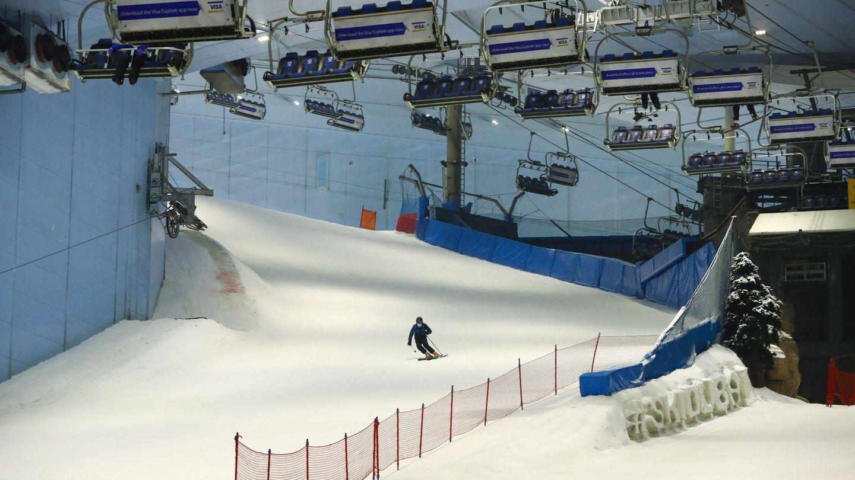 La pista de esquí del Mall of Emirates, en Dubái. (Reuters)